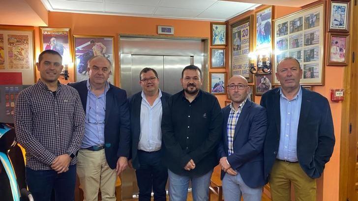 El alcalde de La Roda clausura la asamblea anual de Destilerías Manchegas