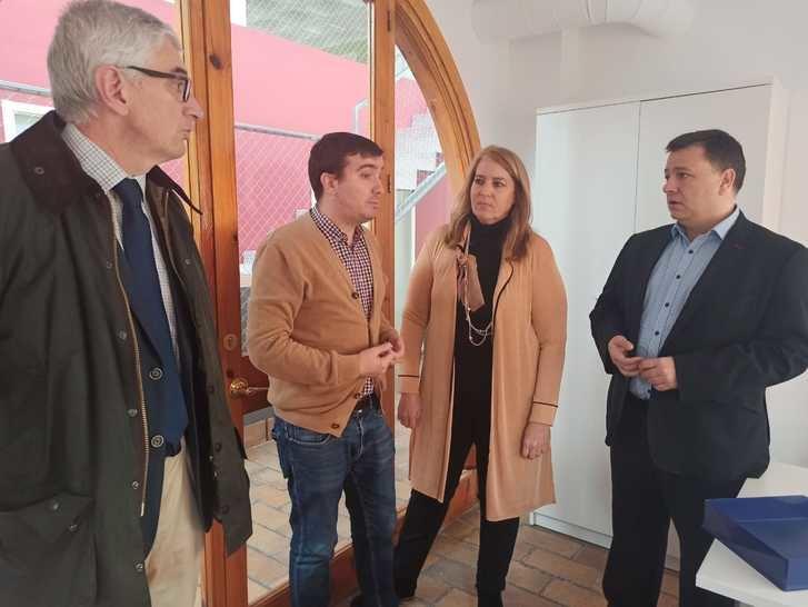 Encuentro del PP de Albacete con el presidente de la Junta de Cofradías