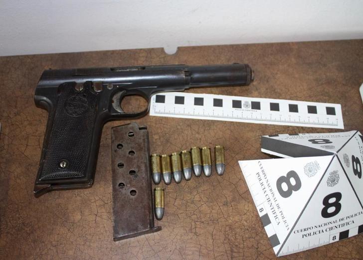 Detenidas dos mujeres que iban a introducir armas blancas y de fuego en el barrio de la Milagrosa de Albacete