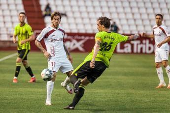 El Albacete golea al Zaragoza (4-1) y sale del descenso, mientras el Huesca asciende a Primera