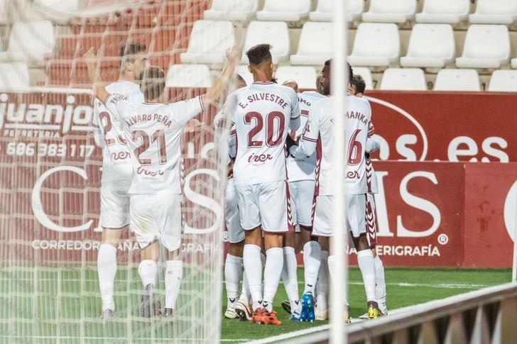 Albacete-Rayo. El Alba suma su segunda victoria consecutiva en casa (2-1)