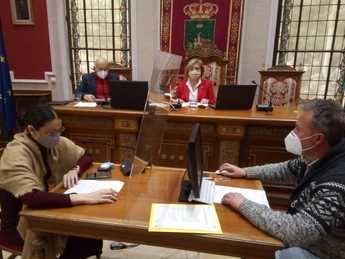 El alcalde de Hellín no presidió la primera sesión ordinaria de 2021 y se realizó por videoconferencia