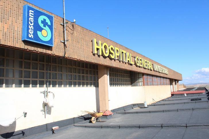 La mejora de la impermeabilización de la cubierta del Hospital General de Albacete supone un gasto de 40.000 euros