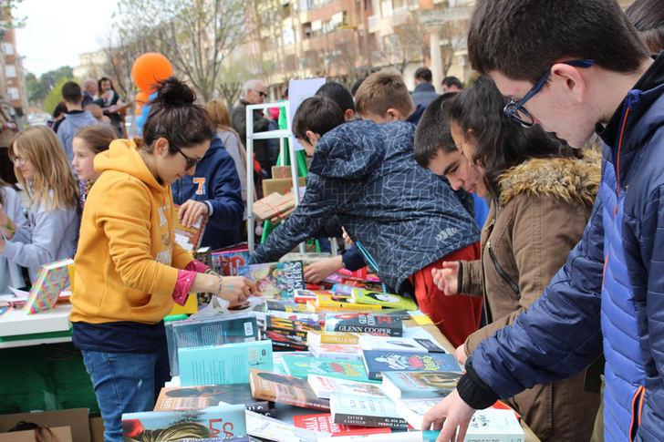 La Roda celebra el Día del Libro con cuentacuentos y entrega de premios de los certámenes literarios