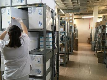 Los Hospitales de Albacete, Hellín, Almansa y Villarrobledo reciben más de un millón de artículos de protección para los sanitarios
