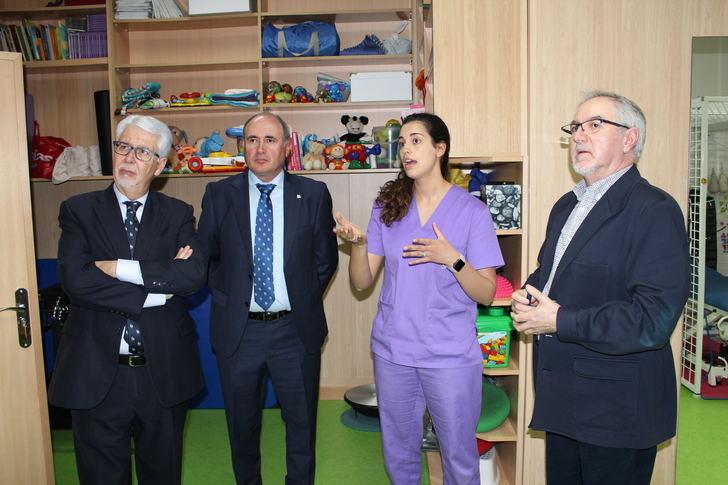 La Fundación Globalcaja Albacete destaca la labor de la asociación de esclerosis múltiple en la provincia