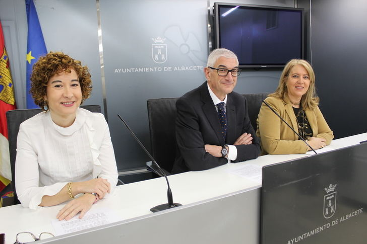 El Ayuntamiento oferta 19 plazas de empleo público para la Universidad Popular y 34 para el Patronato de las Escuelas Infantiles