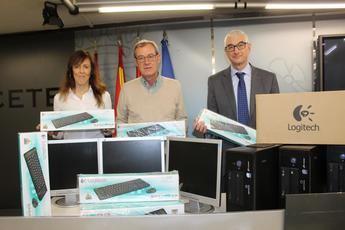 El Ayuntamiento de Albacete hace entrega a Asprona de material informático
