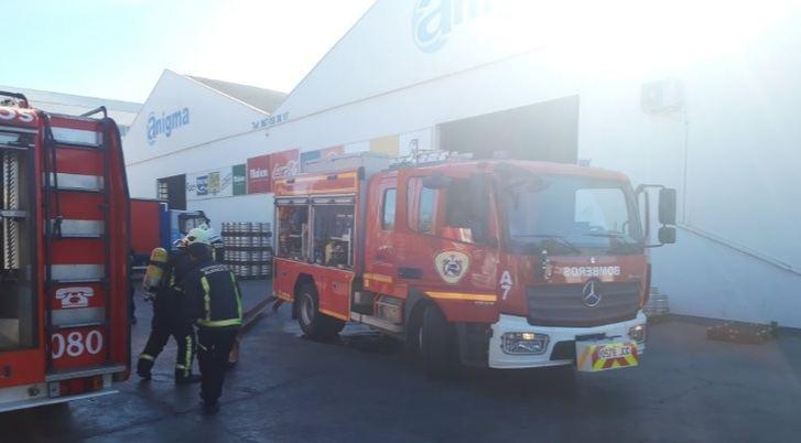 Un incendio en una nave de distribución de bebidas en Albacete obliga a su desalojo