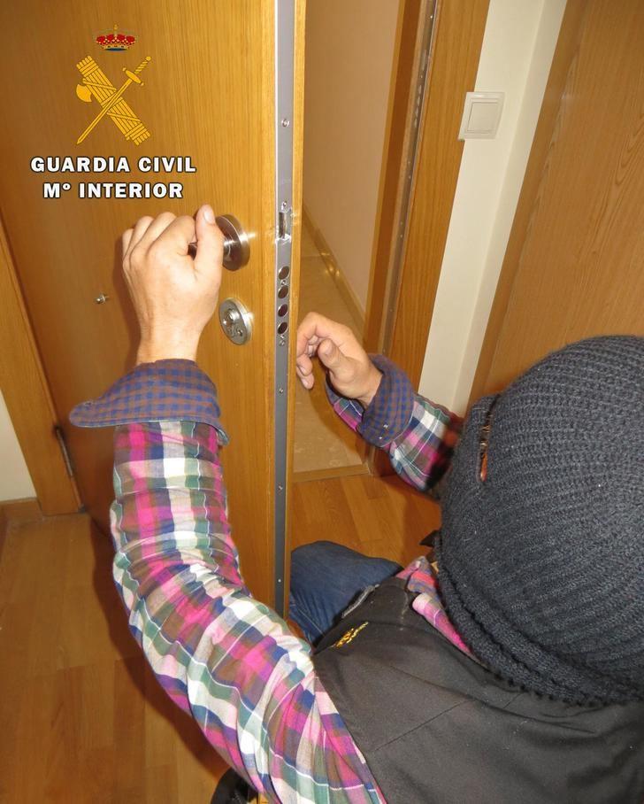 Tres detenidos en Villarrobledo (Albacete) por un robo con fuerza en una vivienda de la localidad