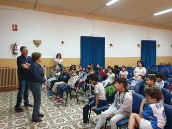 El colegio Martínez Parras de Hellín celebra las jornadas de sensibilización de la ONCE