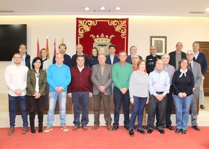 Homenaje en el Ayuntamiento de Albacete a 14 trabajadores que han alcanzado la jubilación