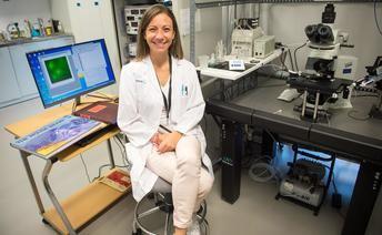 Juliana Rosa, científica del Hospital de Toledo, obtiene un contrato del programa Ramón y Cajal de la Agencia de Investigación