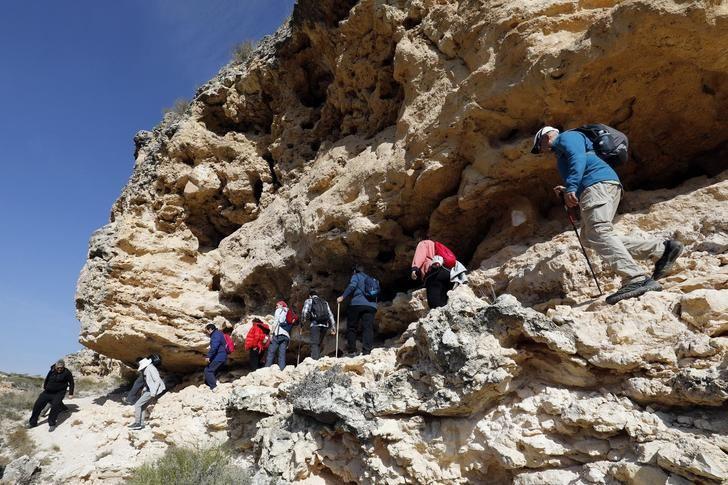 Soleado día en la VII ruta de senderismo de la Diputación celebrada en Madrigueras