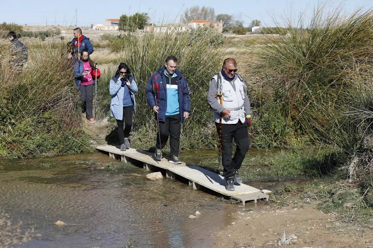 Soleado día en la XXIII ruta de senderismo de la Diputación celebrada en San Pedro
