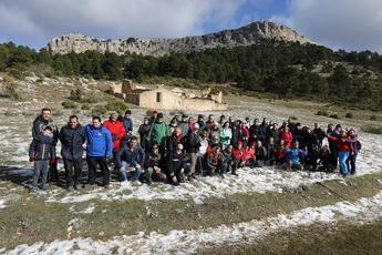 Nieve y frío en Bogarra y Ossa de Montiel con las rutas de senderismo de la Diputación