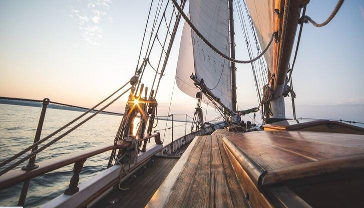 Más personas disfrutan del alquiler de barcos y el turismo náutico