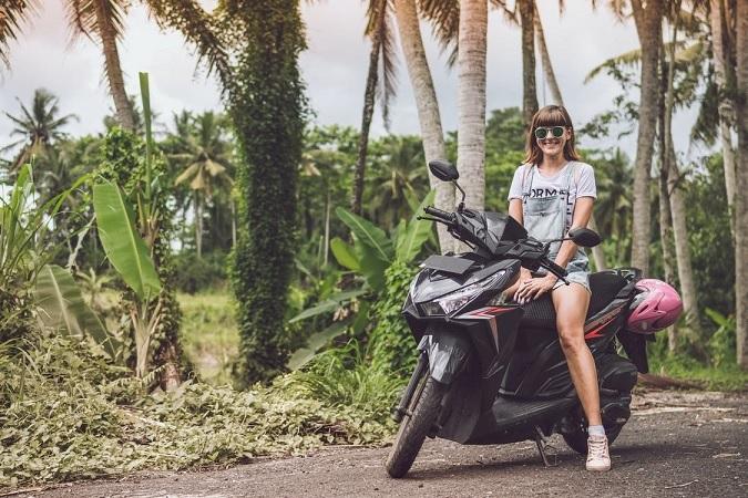 Disfruta de Palma de Mallorca con una moto de alquiler