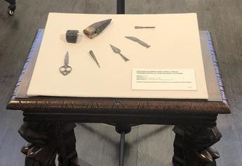 El Museo de la Cuchillería de Albacete recibe la cesión de un Estuche de Dama de 1970 localizado en Los Ángeles