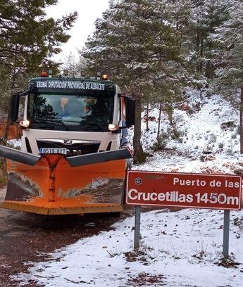 Las máquinas quitanieves de la Diputación de Albacete, activas en pleno mes de marzo