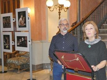 La Diputación de Albacete alberga la exposición fotográfica 'Un paseo por los clásicos', de Vicente Esteban
