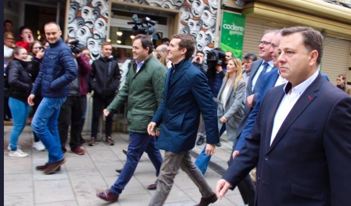 Pablo Casado pide en Almansa (Albacete) el voto a quienes dejaron de confiar en PP y avergonzados de PSOE