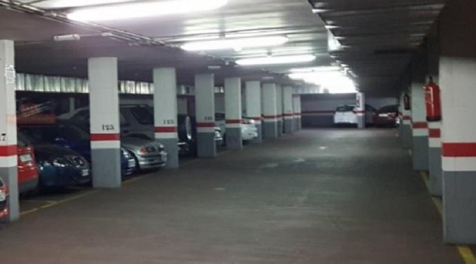 El Ayuntamiento de Albacete saca a subasta 56 plazas de garaje en un edificio de la calle Júcar