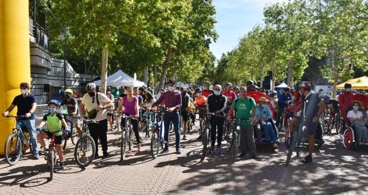 Buena acogida del paseo en bici organizado por el Ayuntamiento de Albacete en el marco de la Semana Europea de la Movilidad
