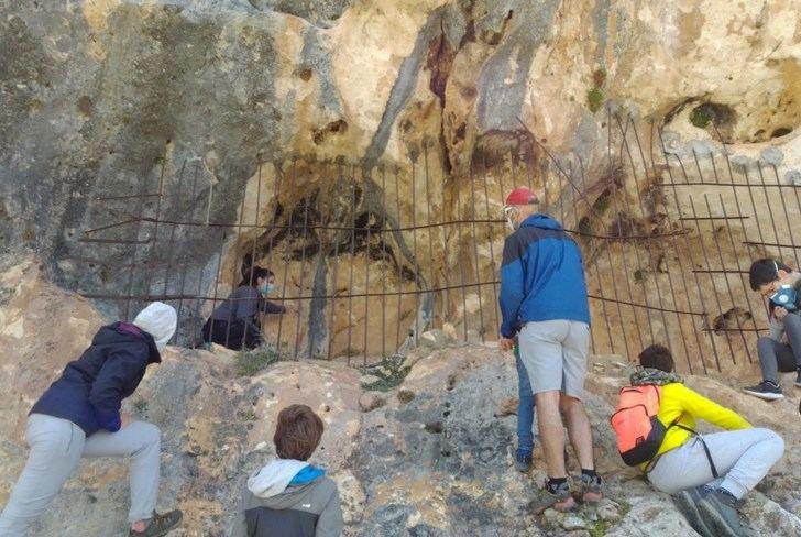 """Nerpio ha triplicado las visitas guiadas a sus pinturas rupestres, """"el tesoro que deslumbra a los turistas"""""""