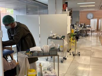 El Hospital de Albacete contrata a un millar de sanitarios para hacer frente al coronavirus