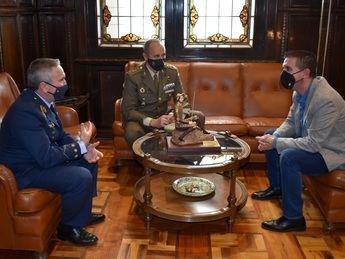 La Diputación agradece a De Cea su implicación en sus seis años al frente de la Subdelegación de Defensa