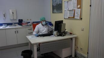 Profesionales de Atención Primaria realizan el seguimiento telefónico a más de 34.000 pacientes por coronavirus