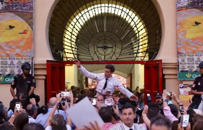 Rubén Pinar se reafirma como un gran torero en su triunfal gesta en Albacete