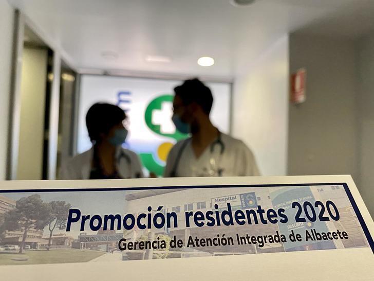 69 residentes finalizan su formación como especialistas en la Gerencia de Atención integrada de Albacete