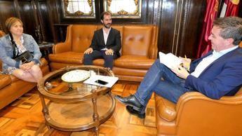 Cabañero estudia nuevas vías de trabajo continuo con los responsables de la ONCE