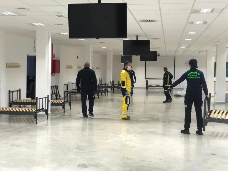 Más de un centenar de camas se instalan en la Facultad de Medicina de Albacete para ampliar el espacio sanitario