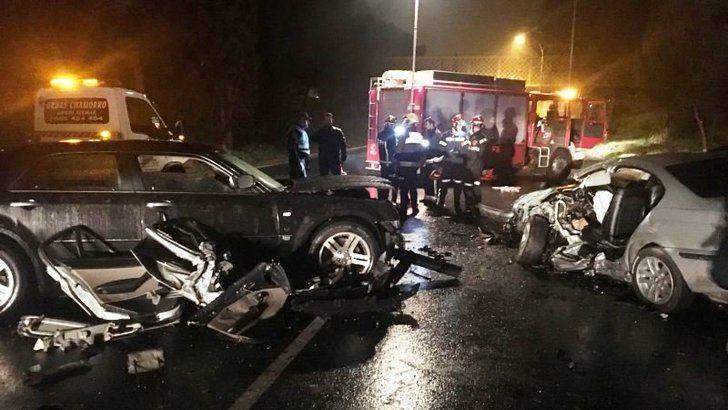 Choque frontal de dos coches de madrugada en Toledo
