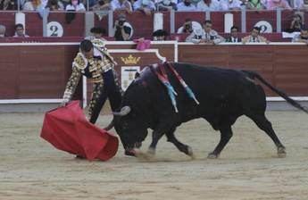 Manzanares abrió la 'Puerta Grande' de Albacete en una buena tarde de toros