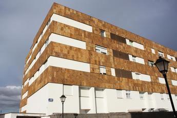 El Ayuntamiento de Albacete reduce en el 50 por ciento la mensualidad de alquiler de viviendas de Urvial