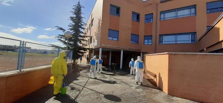 El dispositivo GEACAM realiza labores de limpieza en centros sociosanitarios de Albacete, Hellín y Villarrobledo