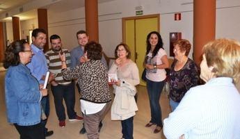 Belinchón y la ejecutiva local del PSOE visitan el centro sociocultural del barrio 'El Pilar'