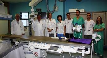 Médicos del hospital de Albacete practican con dos pacientes una nueva técnica para el tratamiento del ictus