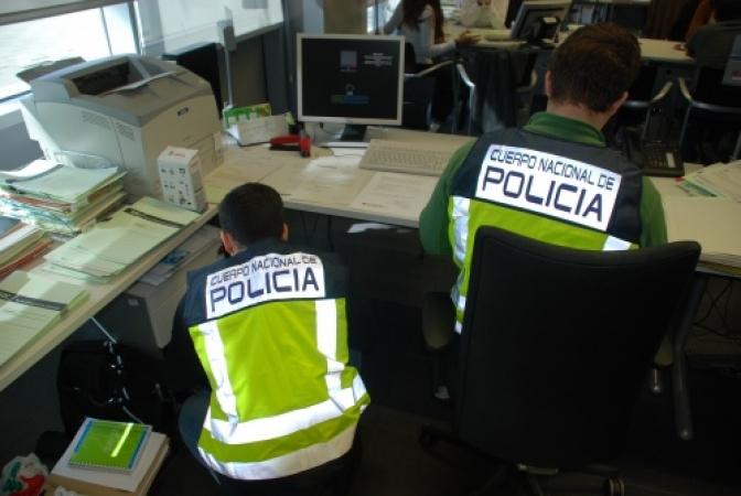 La Policía Nacional detiene a siete personas por compartir pornografía infantil a través de video chat