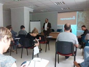 Positivo balance de la jornada informativa de La Roda sobre 'Creatividad e Innovación' dirigida a empresarios