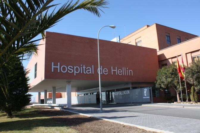 Rescatado y trasladado al hospital de Hellín el espeleólogo que cayó en cueva Los Chorros de Riópar (Albacete)
