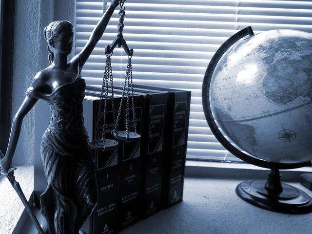 ¿Por qué es necesario la contratación de un/a abogado para Extranjería?