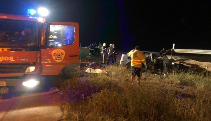 Los bomberos de Albacete intervinieron en el accidente.