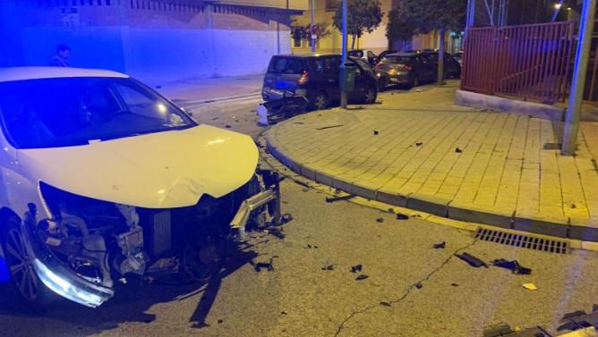 Cuantiosos daños materiales tras un accidente de tráfico en el barrio San Pedro de Albacete