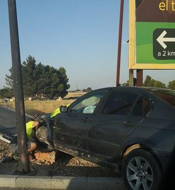Nuevo accidente en una rotonda de Albacete, este domingo en la carretera de Valencia