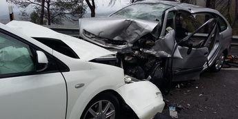 La foto es del accidente de Villatoya, así han quedado los coches tras la colisión.